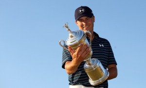 UNIVERSITY PLACE, WA - JUNE 21: Jordan Spieth of the United States glances at the trophy after winning the 115th U.S. Open Championship at Chambers Bay on June 21, 2015 in University Place, Washington. (Photo by Ezra Shaw/Getty Images) ***BESTPIX*** ORG XMIT: 527960725 ORIG FILE ID: 478048512